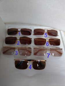 Có 7 cái kính cổ mạ vàng bọc...