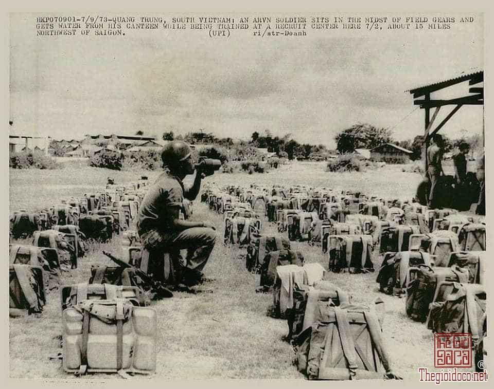 Bộ đồ ăn inox của Lính Mỹ hồi xưa hàng lưu kho KVCT trước năm 1975 zalo: 0776218163 Tiệm Hoàng Thiên