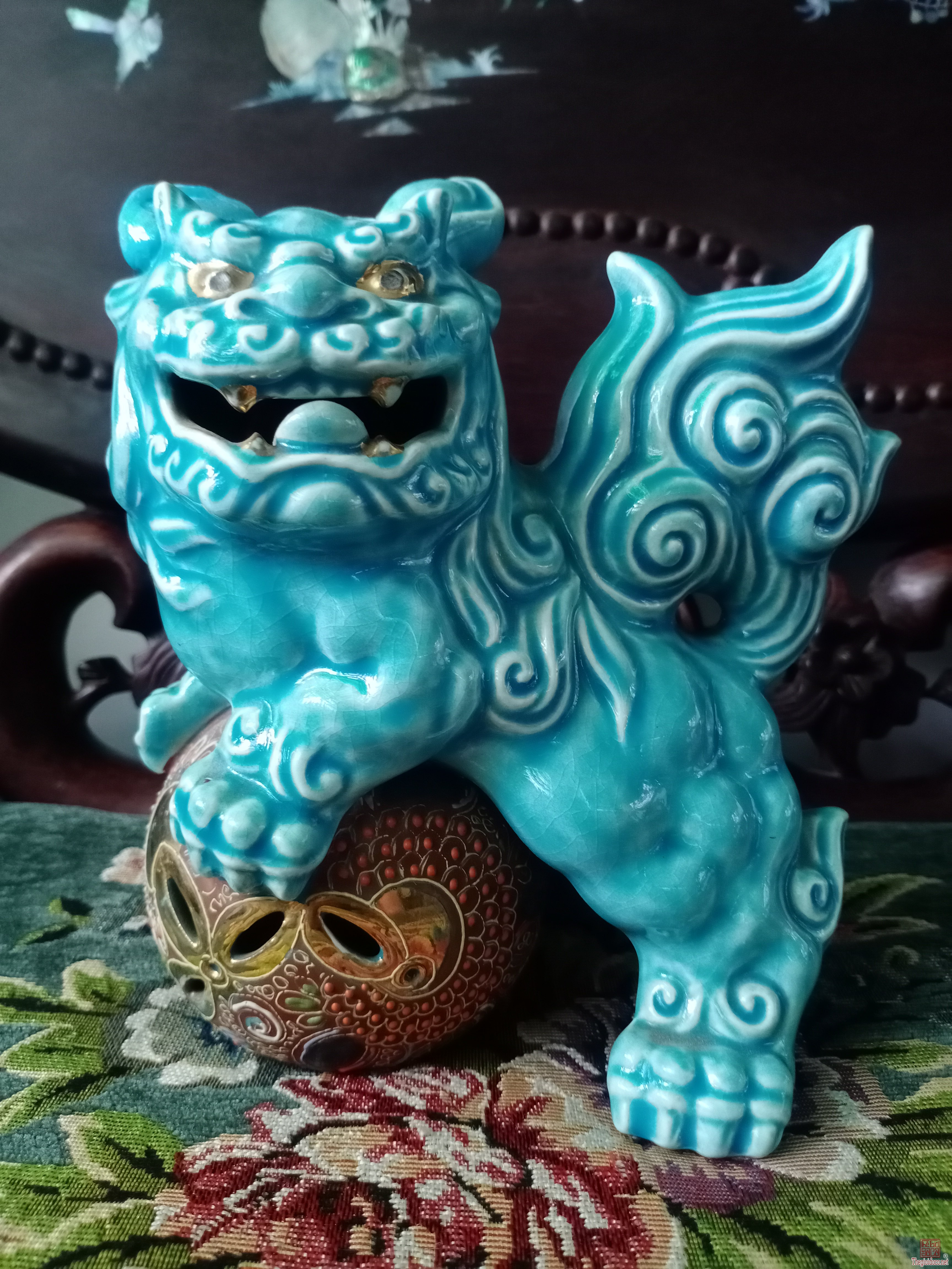 Lân hí cầu dòng gốm Kutani Nhật, trang trí và trưng bày trong nhà mang lại sự tốt lành, lợi lộc