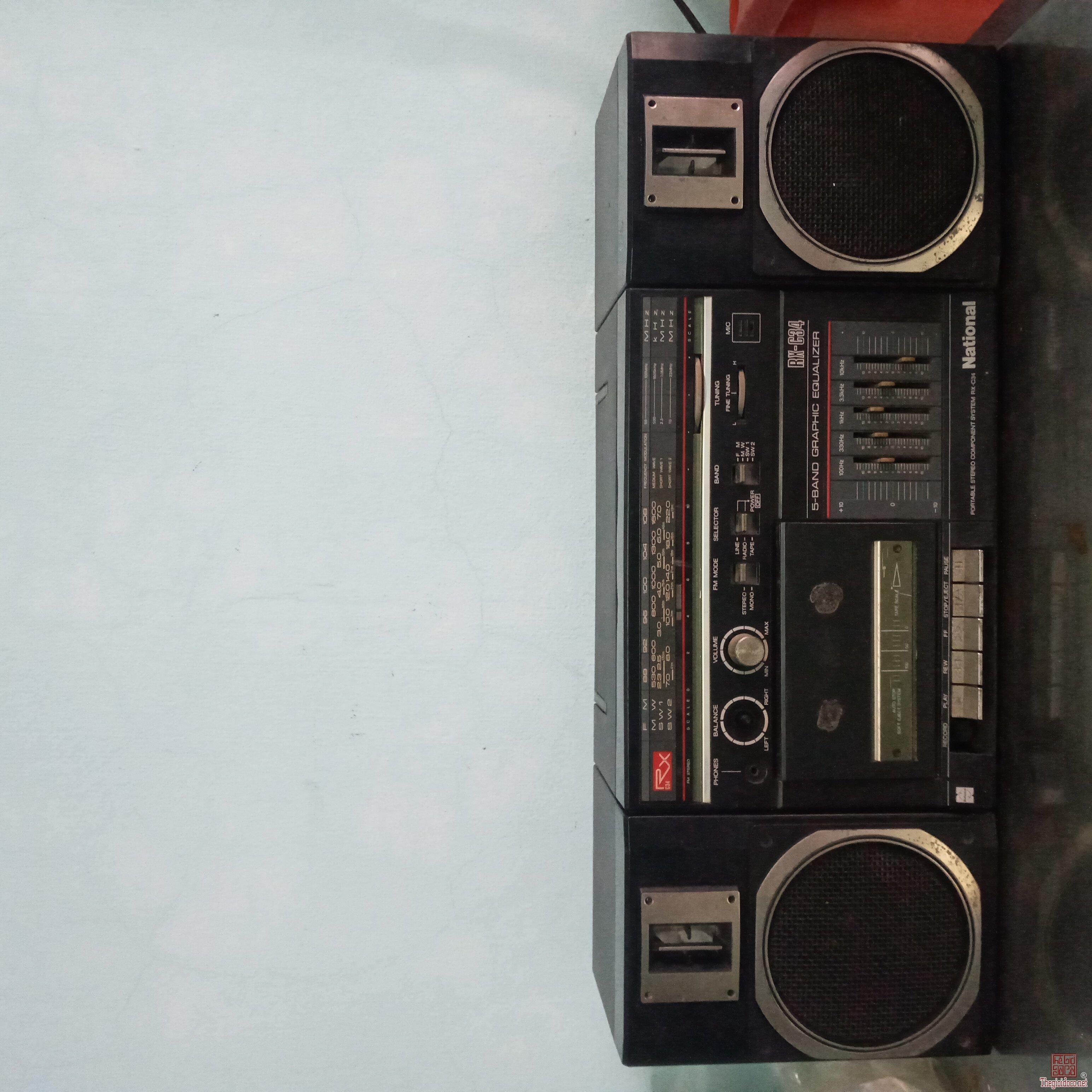Giao lưu:Cassette National Nhật Xưa.Hát Radio tốt. băng không quay.Máy còn đẹp 98%.Máy Zin.