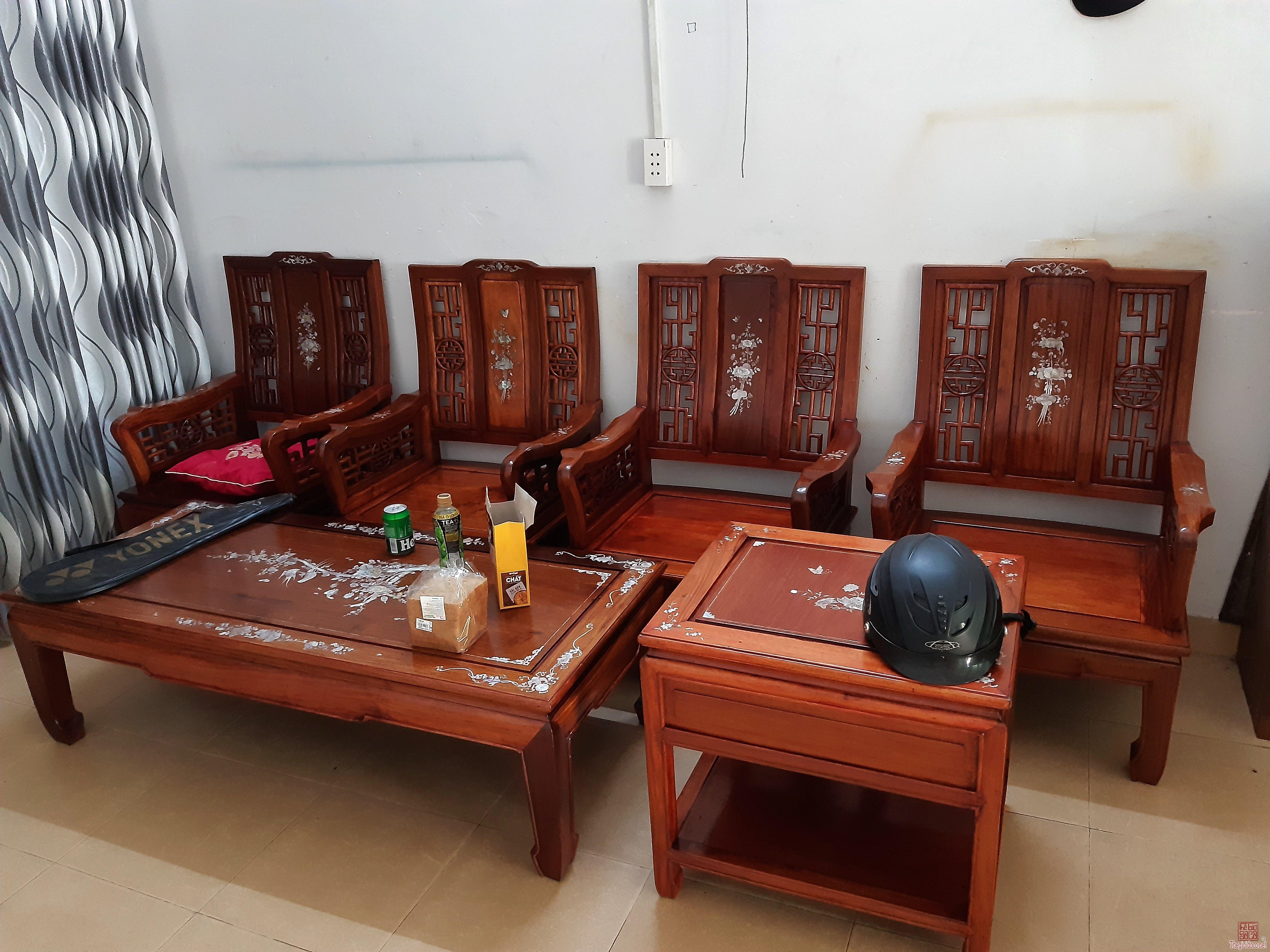 Cần thanh lý bộ ghế gỗ hương lâu năm