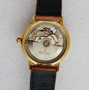 Đồng hồ xưa tự động BULOVA kim đĩa