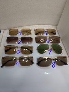 Có 8 cái kính cổ mạ vàng bọc...