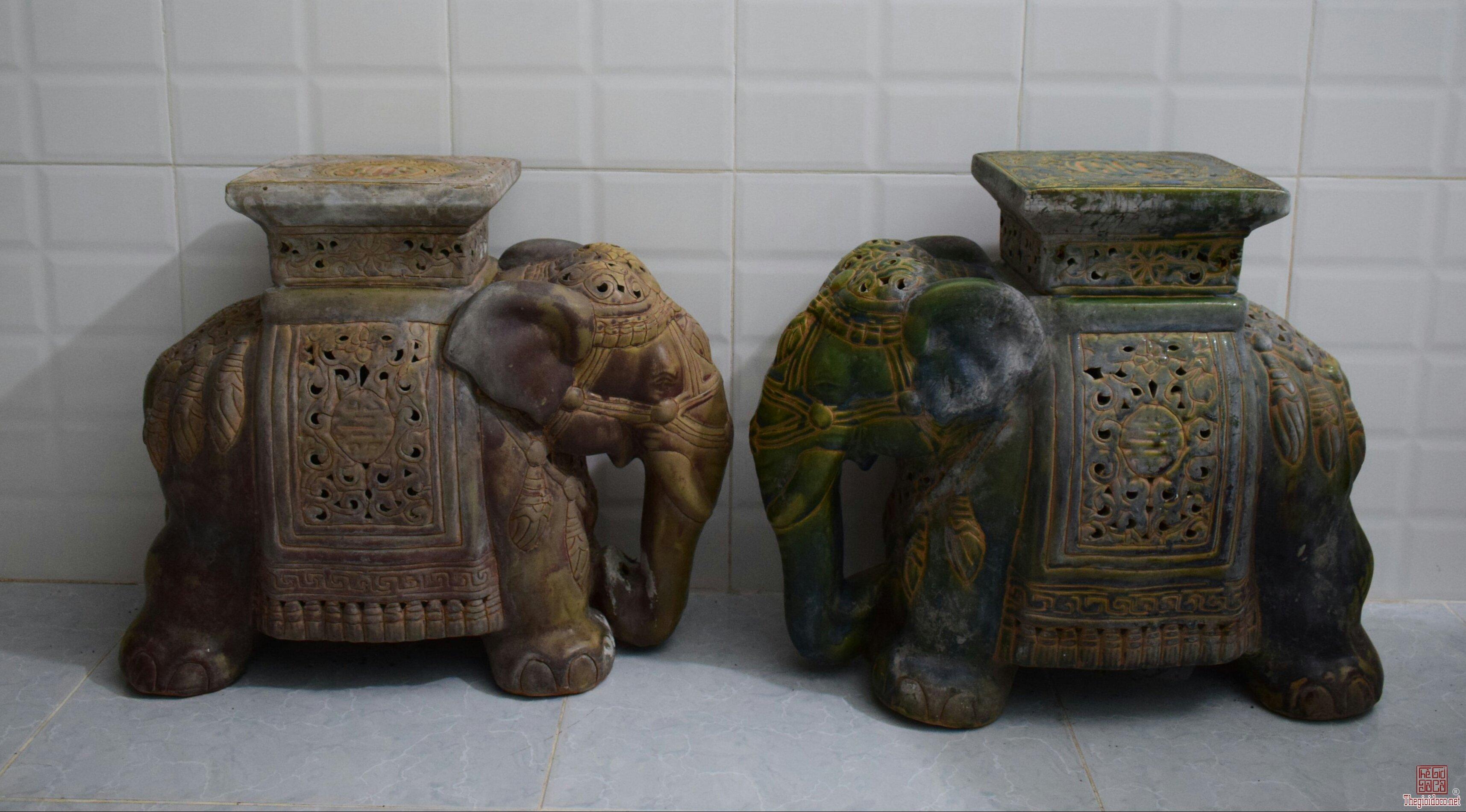 2 voi lồng đèn độc sắc  Biên Hòa có hỏa biến cốt dày nặng kt 42cm & 43cm