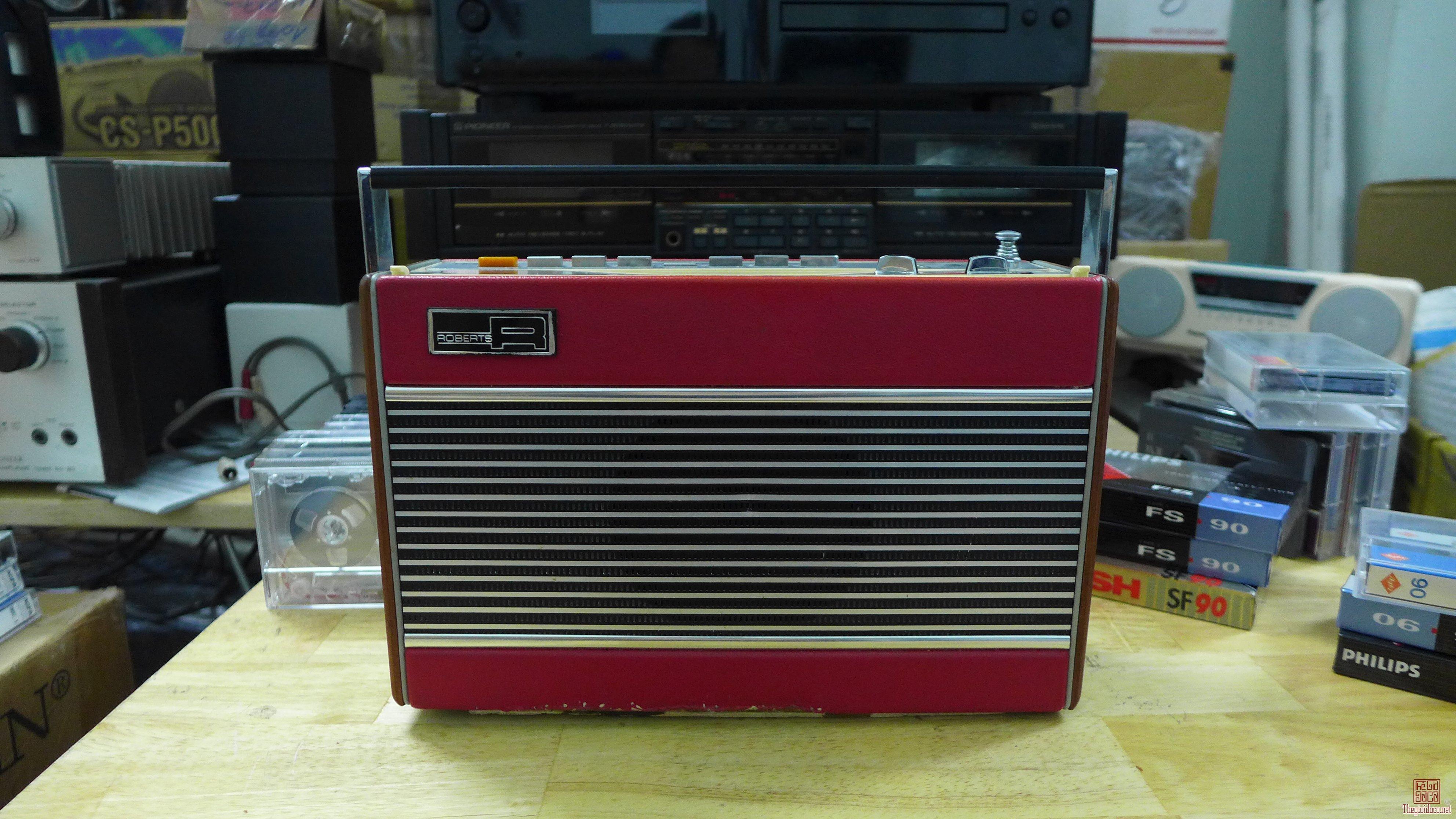 HCM - Q10 - Bán radio Robert RP-26-B. UK