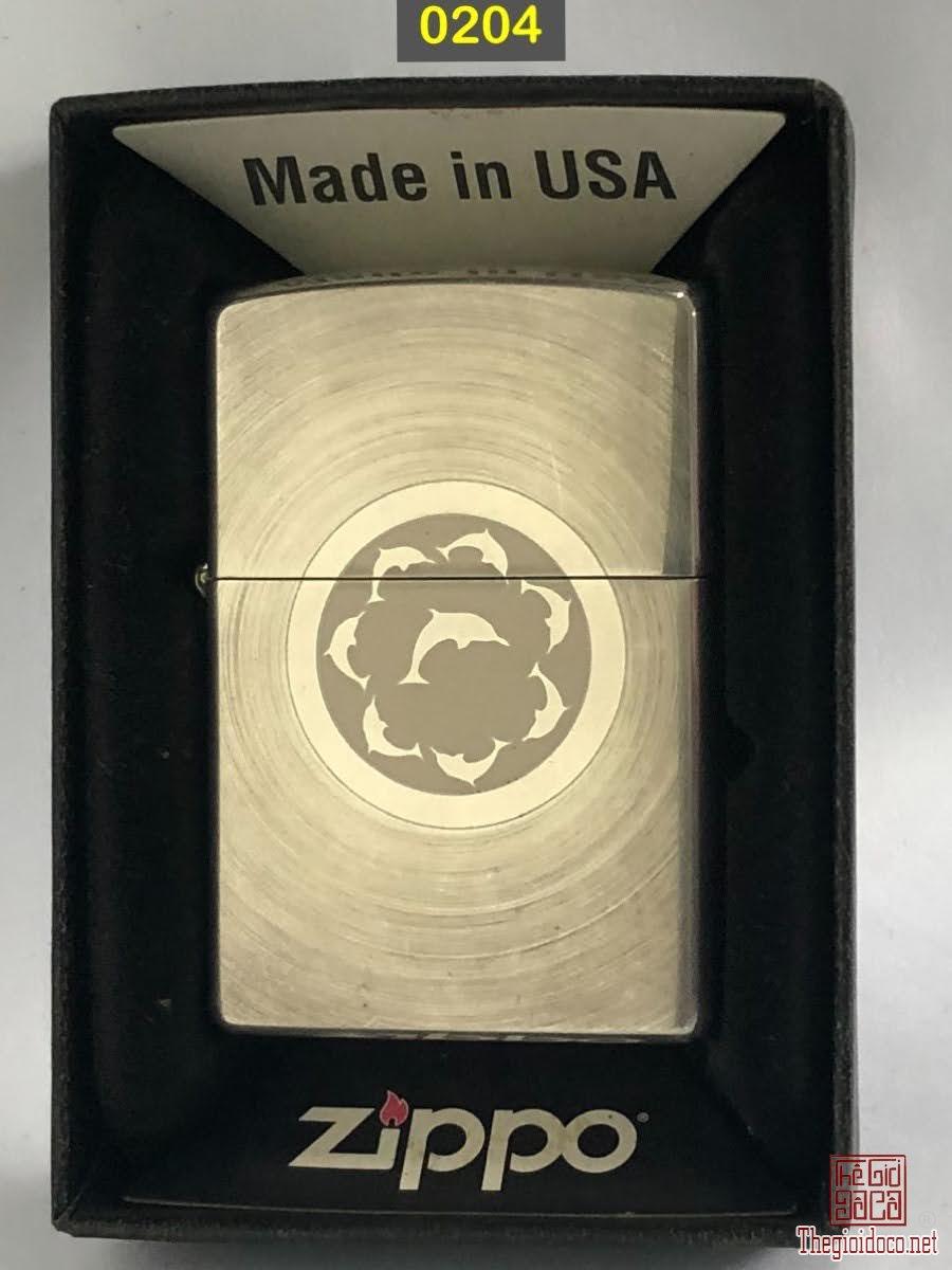 0204-  Mạ bạc đáy bằng 2002 Vân xoáy đồng tâm, lo go khắc mòn axit ngược -
