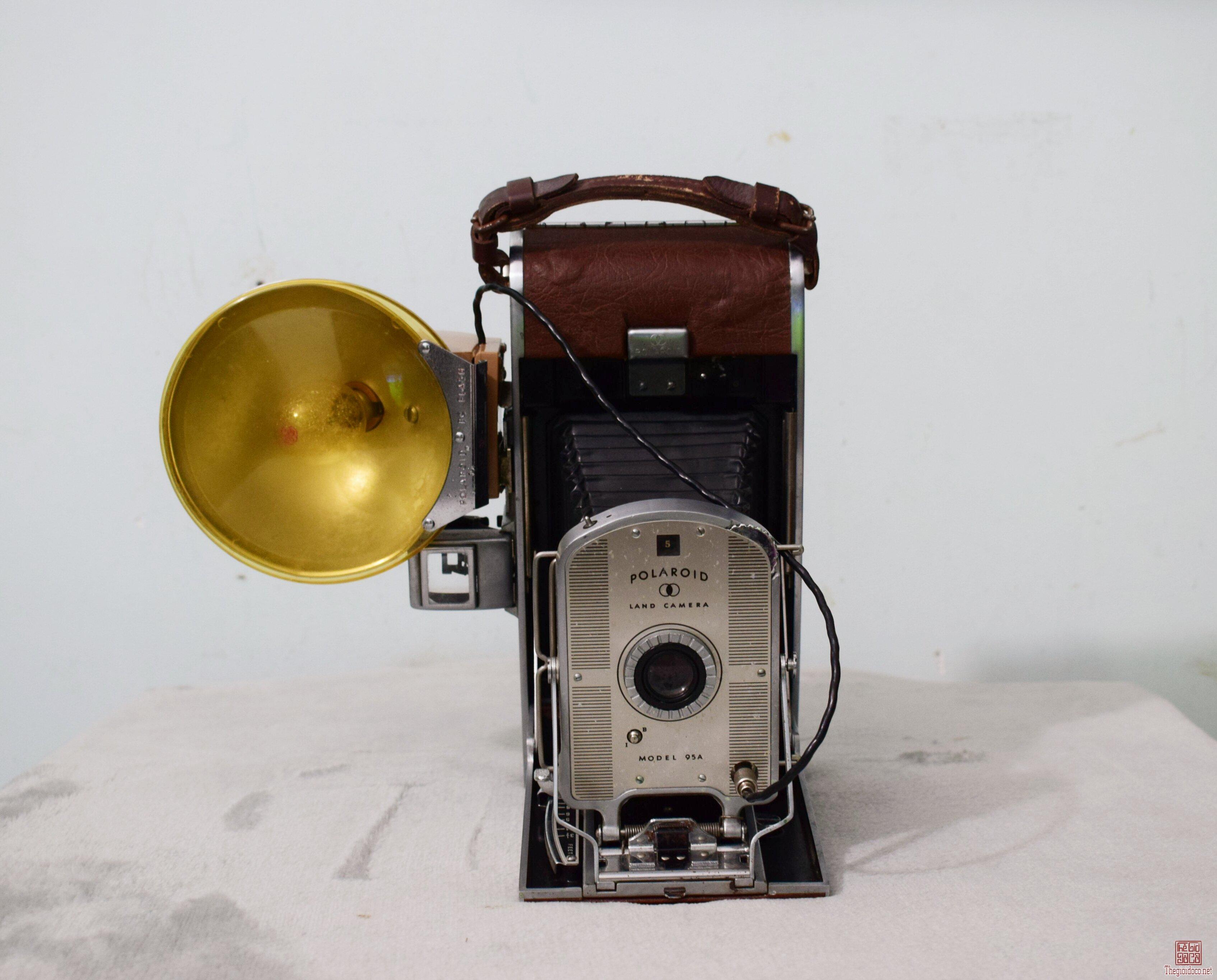 máy ảnh Polariod land model-95A hàng thập niên 1950s máy còn đẹp 95%