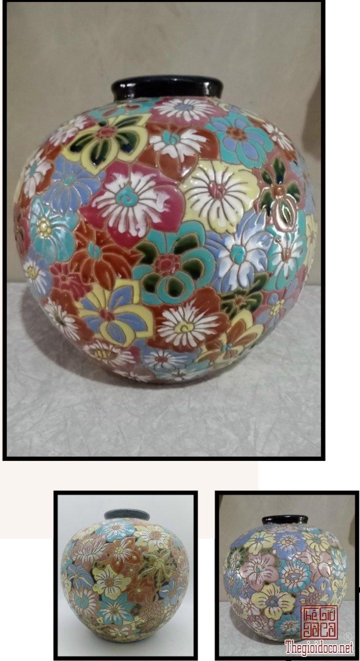 Tú cầu bách hoa gốm Biên Hòa xưa.Cao 30cm*vb98cm*đkm 1cm. Giá 3,5 triệu/cái.Lấy cả 3 cái giá 9 triệu