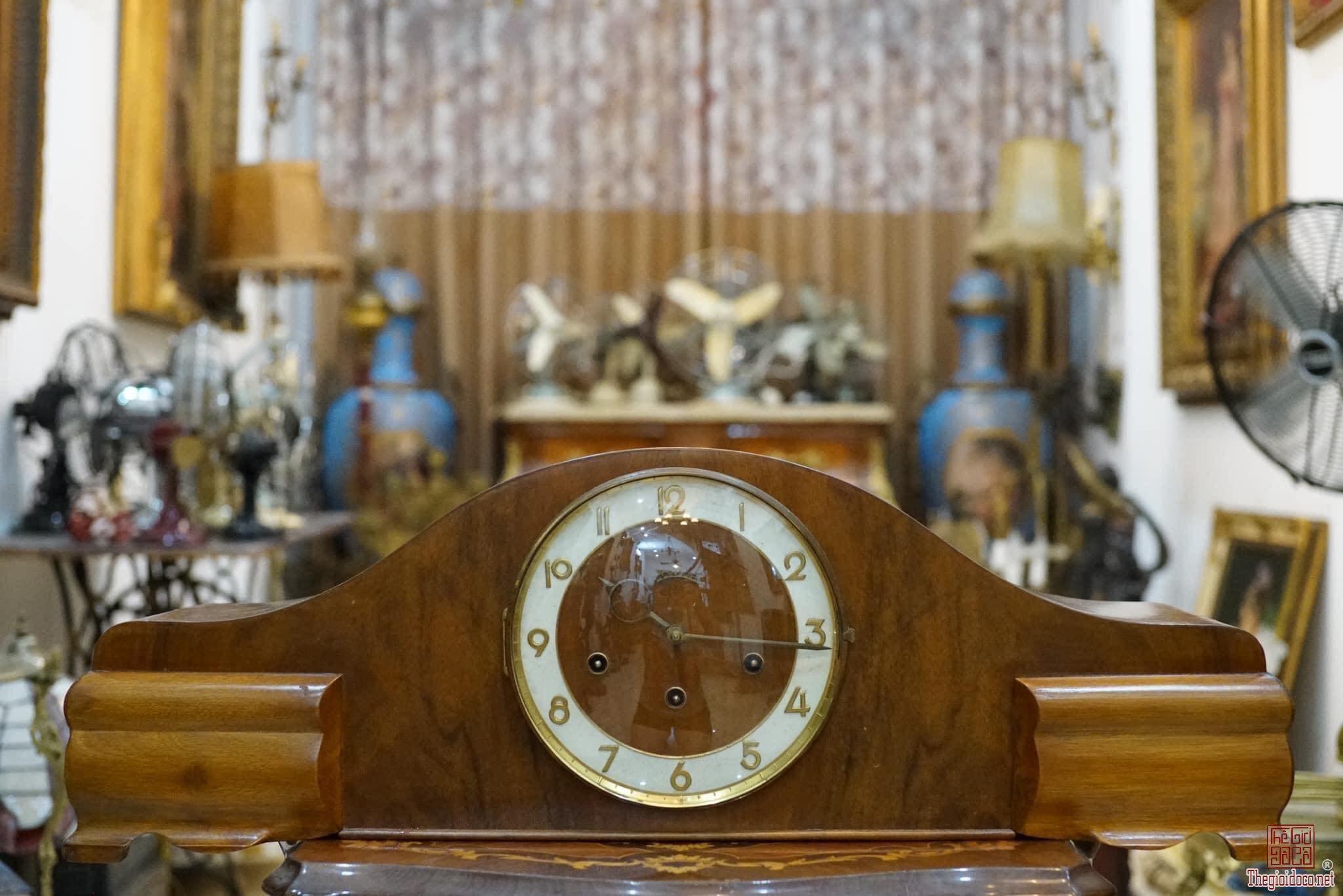 Đồng hồ vai bò made in Germany( chơi 3 bản nhạc)