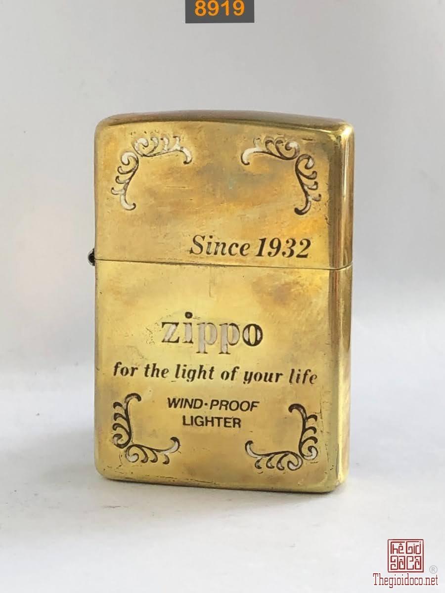 8919-brass antique chữ xéo đáy bằng 1989 -