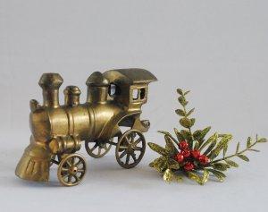 Đầu tàu lửa bằng đồng xưa, nhập...
